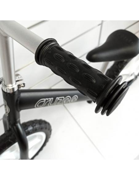 Rowerek biegowy Cruzee 12 SAFE czarny białe koła